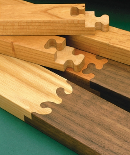 Boards joined end-to-end with half-lap Tsugite joints.