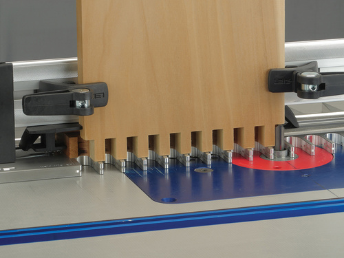Leigh_RTJ400_box_joints_Sockets_with_backer_board_025_3000px