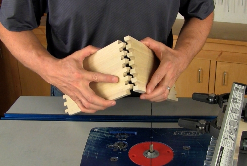 Leigh_RTJ400_how_to_rout_box_joints_11_Vid_FF_1500px
