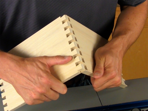 Leigh_RTJ400_how_to_rout_half-pitch_dovetails_11_Vid_FF_1500px
