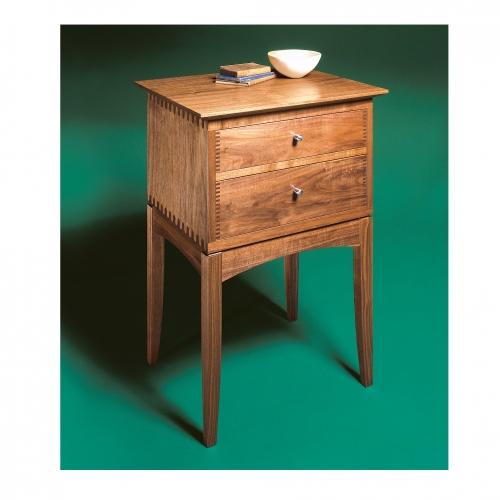MT End Table walnut 28x28 72