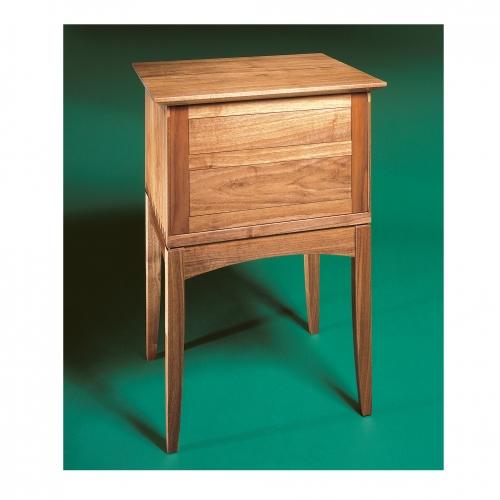 MT End table walnut Back 28x28 72