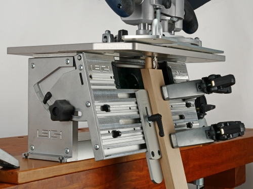 Leigh_FMT_Pro_Clamp_plate_angled_696_CC_3000px