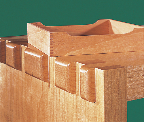 Leigh_M2_jumbo_finger_joints-stool_tray_comparison_24_60420_1000px