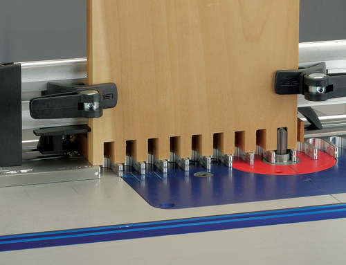 Leigh_RTJ400_box_joints_pins_with_backer_board_043_3000px