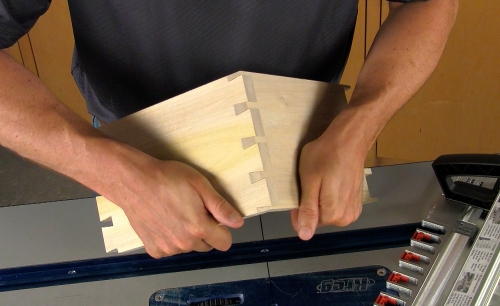 Leigh_RTJ400_how_to_rout_through_dovetails_10_Vid_FF_1500px