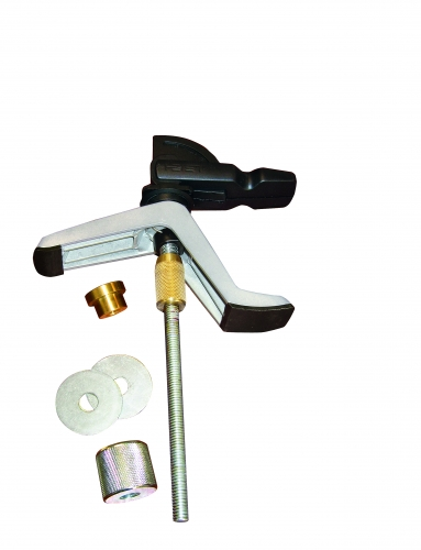Leigh_clamps_RS_3_001_bench_clamps_product_parts_CC_alt_2500px